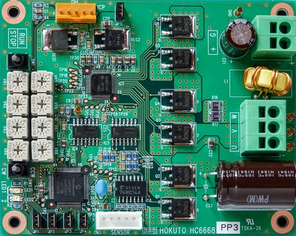 HC6668回路写真_427x340
